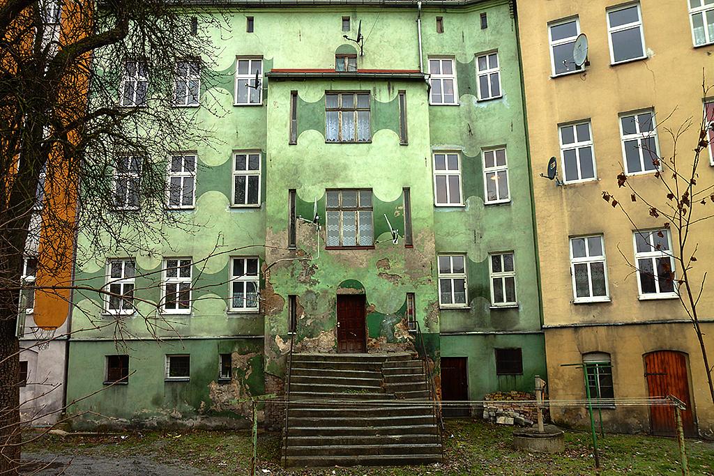 Housing--Luban 2