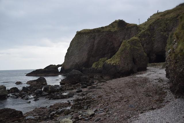 Cuevas de Cushendun – Tierras de la Tormenta