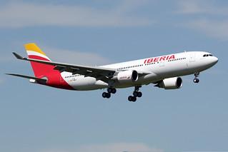15 avril 2016 - IBERIA - Airbus A 330-200 F-WWKO msn 1719 - LFBO - TLS