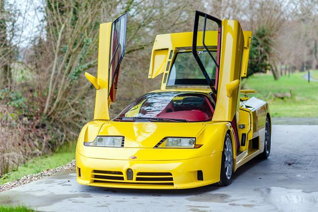 Жёлтый Bugatti EB110 SS. 1993 – 1995 годы