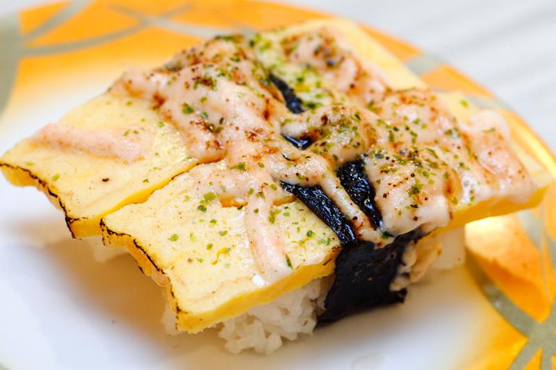tamago mentai Yoda japanese dinning - invited eatup (omakase) : aburi salmon mentai roll (   s$25 a la carte) breaded & fried salmon & crab meat, aburi.