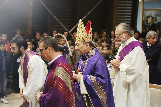 Noicattaro. Visita pastorale Vescovo intero