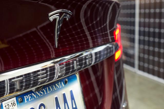 ASR-Tesla-1430254