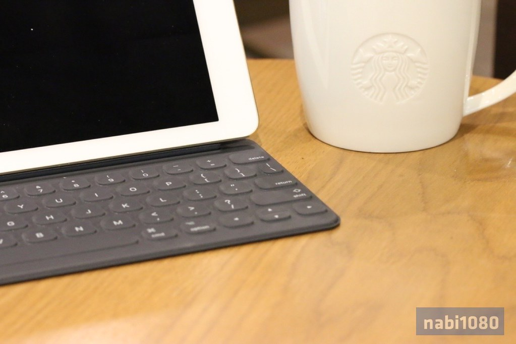 iPad Pro 9.7 Smart Keyboard30