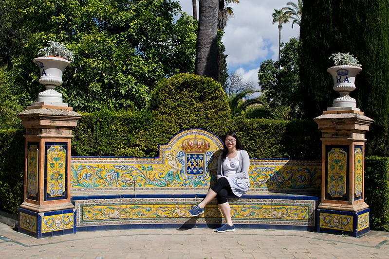 Enjoying the sun, Alcazar of Seville Gardens, Spain | packmeto.com