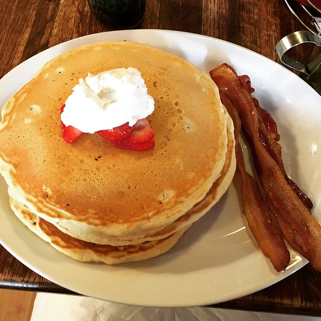 big bad pancakes and big bad breakfast