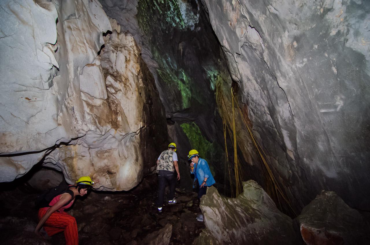 En lo más profundo de la caverna 54, en el distrito de San Lázaro, puede experimentarse una aventura inolvidable debido a las irregularidades del terreno, las subidas y bajadas, la complejidad de la caverna para escalar sus paredes y todas las sorpresas que pueden encontrarse en su interior. (Elton Núñez)