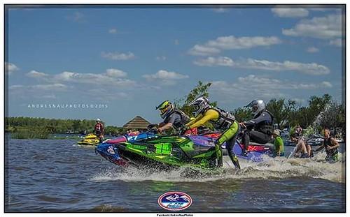 Se gana o se aprende   📷@andresnau  @ajmjetski @tibugarcialorenzo   #jetski #runandhide #parana #ramallo #campeonatoArgentino #WaveBlaster #Yamaha #racing #racingDay #paradorcocodrilo #argentina #friends #water #race