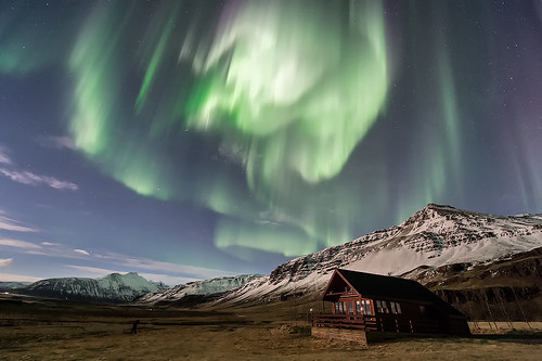 Northern Lights and moonlight near Höfn - Iceland