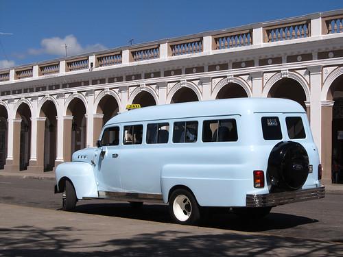 Cienfuegos: un taxi collectivo, le plan B si les bus sont complets