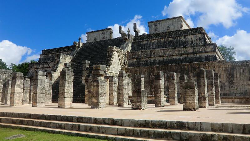 Mexico - Chichén Itzá; Templo de los Guerreros (Temple of the Warriors)