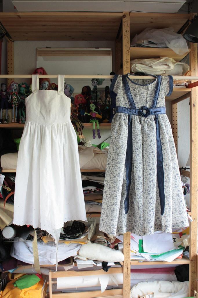 Une robe et son jupon avec corsage pour petite fille