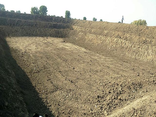 आकार ले रहे हैं महाराष्ट्र में तालाब