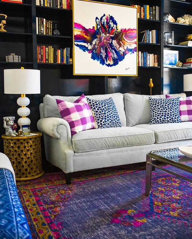 I've received so many messages about this room lately, specifically  the rug & art! My @rugs_usa rug is sold out, but I found the exact one at two other places & linked them here 👉www.liketk.it/2hLIo👈 The art is by the fabulously-ta