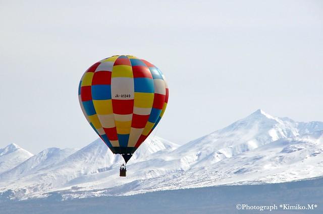 十勝連峰と気球