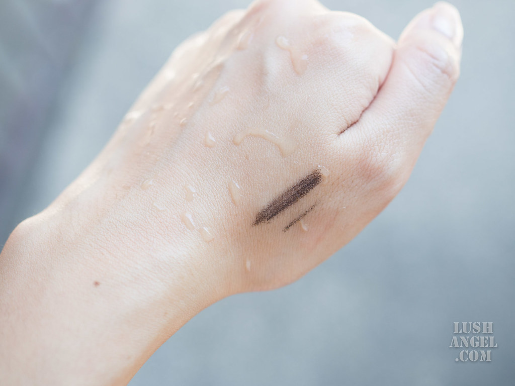 estee-lauder-waterproof-eyeliner-review