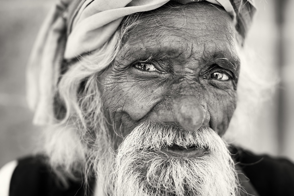 India, old pilgrim in Ujjain