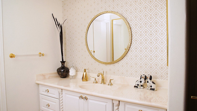 david-hicks-la-fiorentina-master-bathroom-stone-glam-bathroom-interior-design-home-decor-champagne-lifestyle-home-hannah-hagler