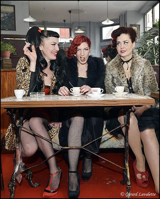Femmes au bistrot