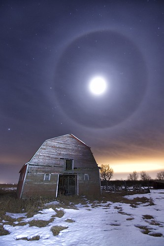 Moon rings (moondogs)