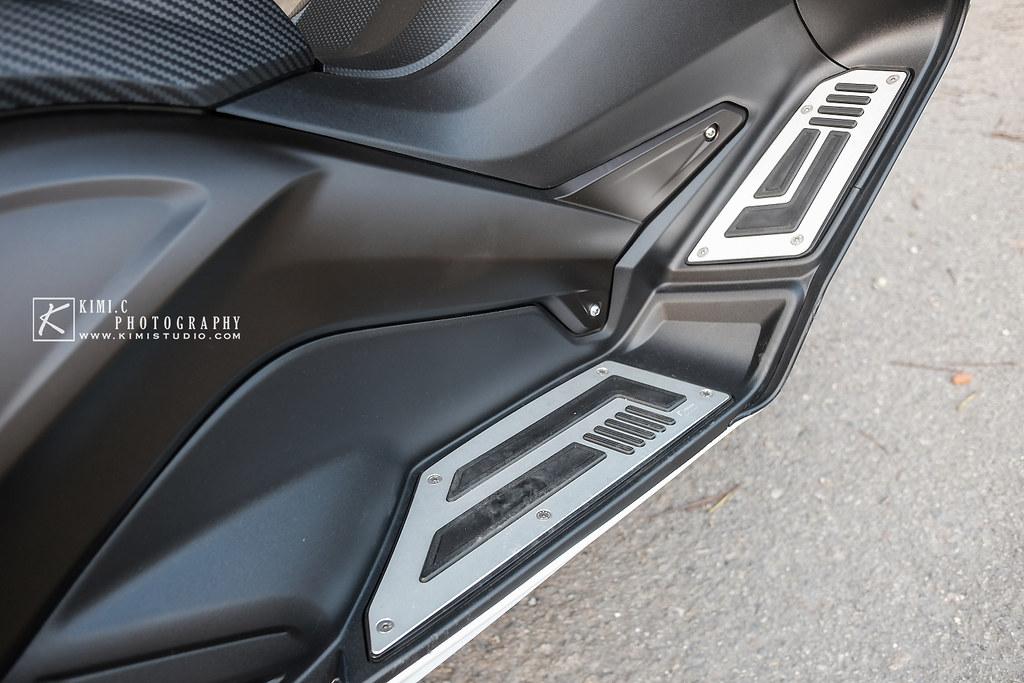 2016 T-MAX 530-012