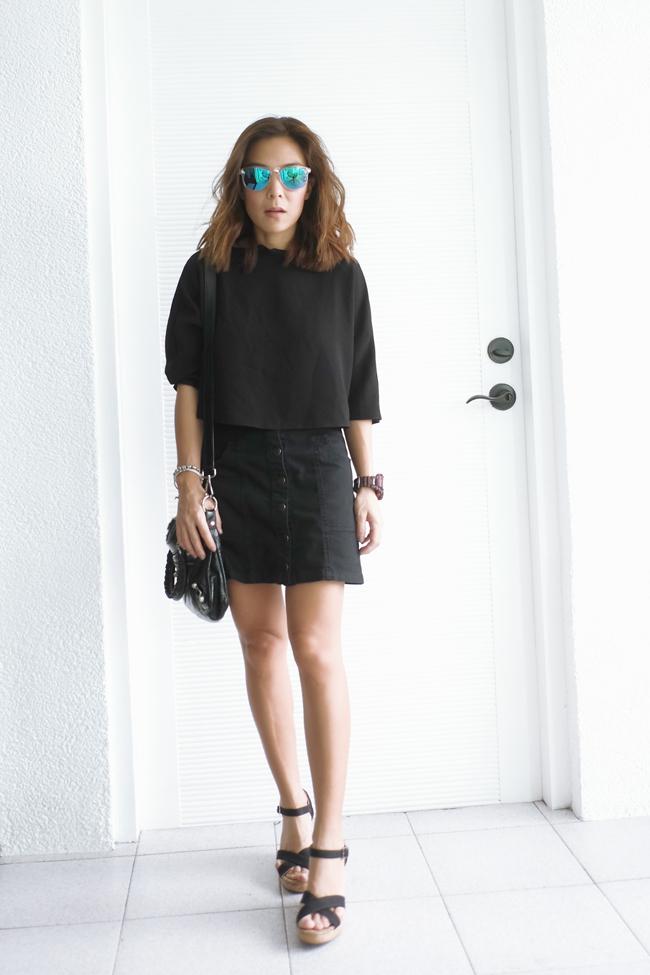 black button up mini skirt street style