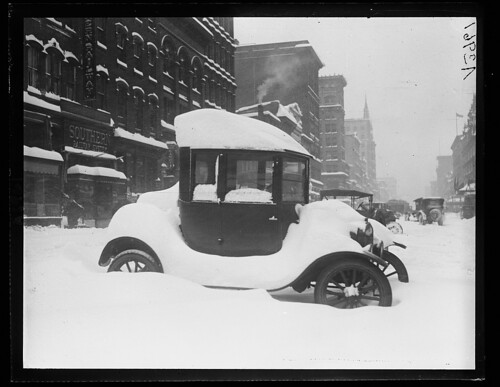 Snow, Washington D.C., car