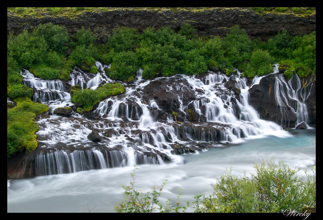 Hraunfossar Islandia cascada que no nace de río