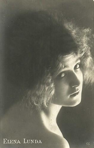 Elena Lunda