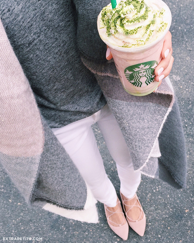 starbucks cherry blossom frappuccino spring outfit white jeans