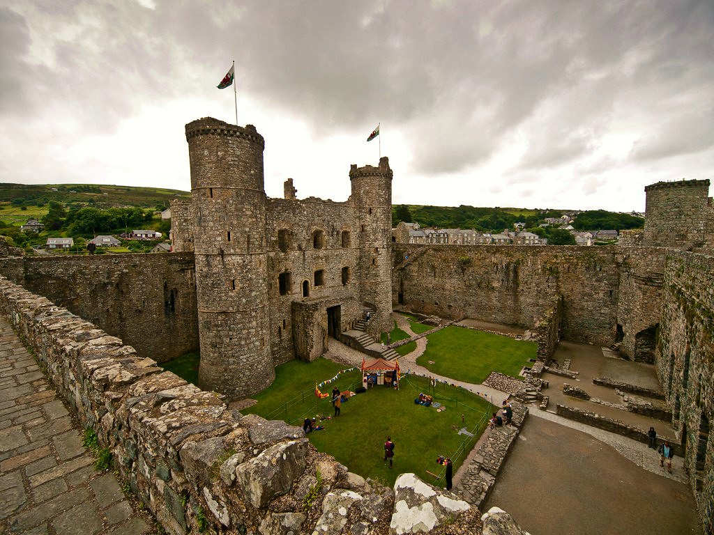 Harlech Castle. Credit William Warby, flickr