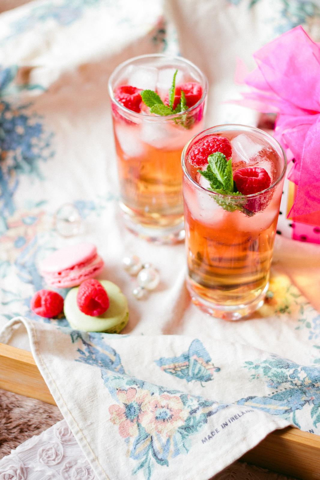 {ice wine valentine spritzer} via chevrons & éclairs