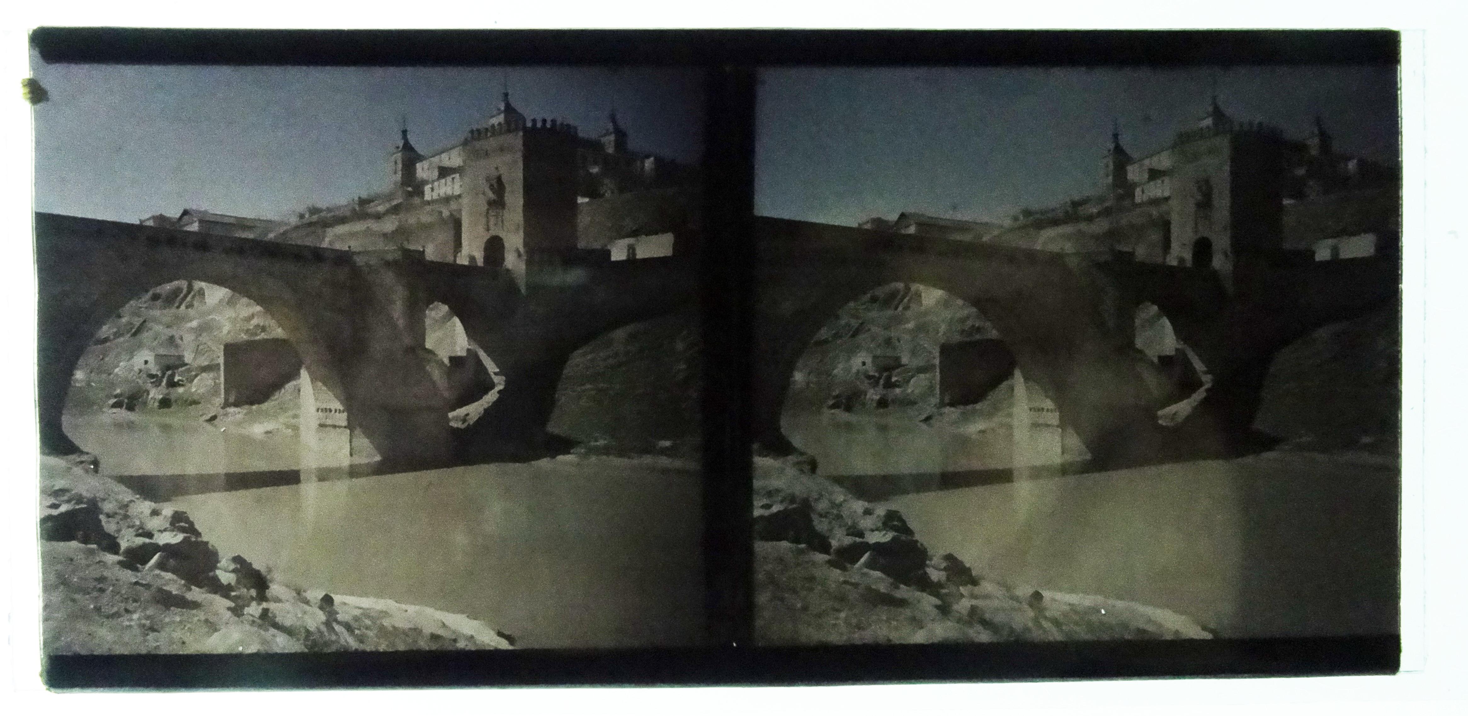Autocromo del Puente de Alcántara. Fotografía de Francisco Rodríguez Avial hacia 1910 © Herederos de Francisco Rodríguez Avial