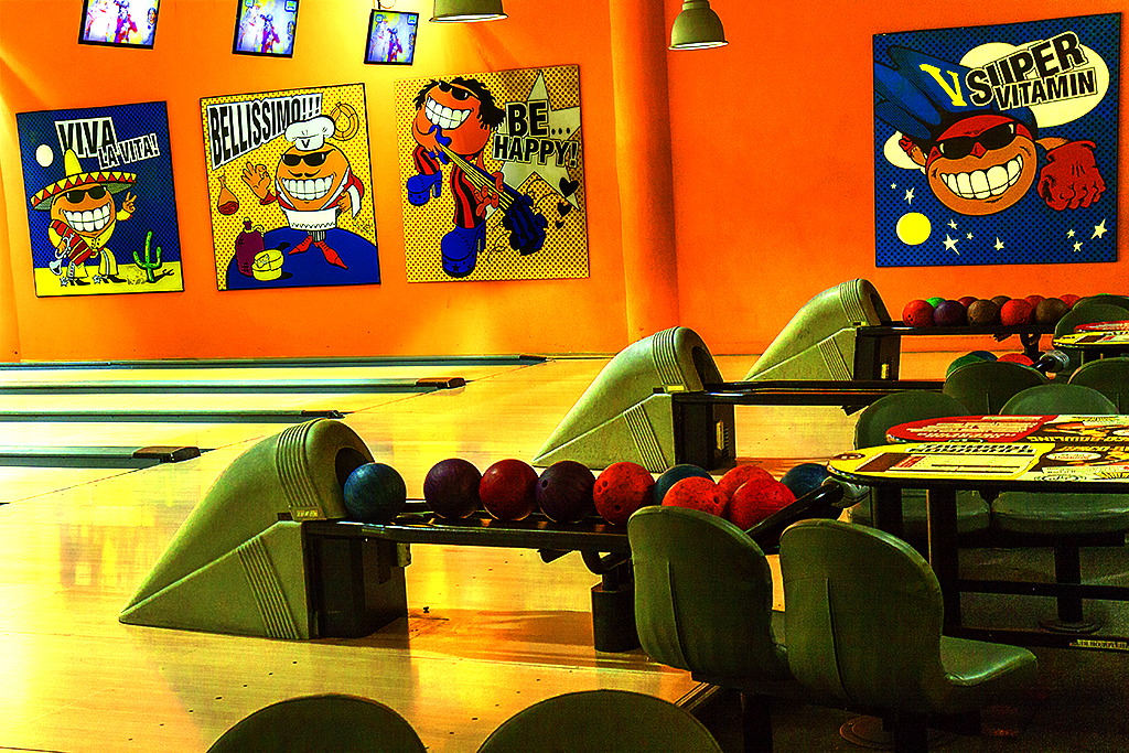 Empty bowling alley--Kiev 2