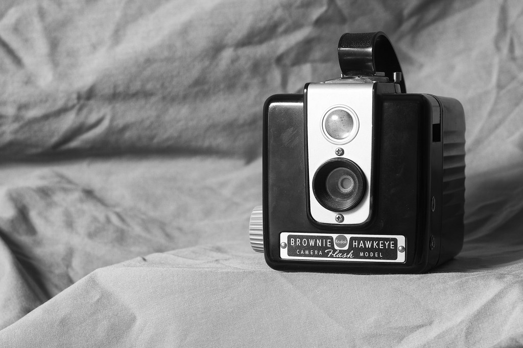 CCR - Review 32 - Kodak Brownie Hawkeye Flash