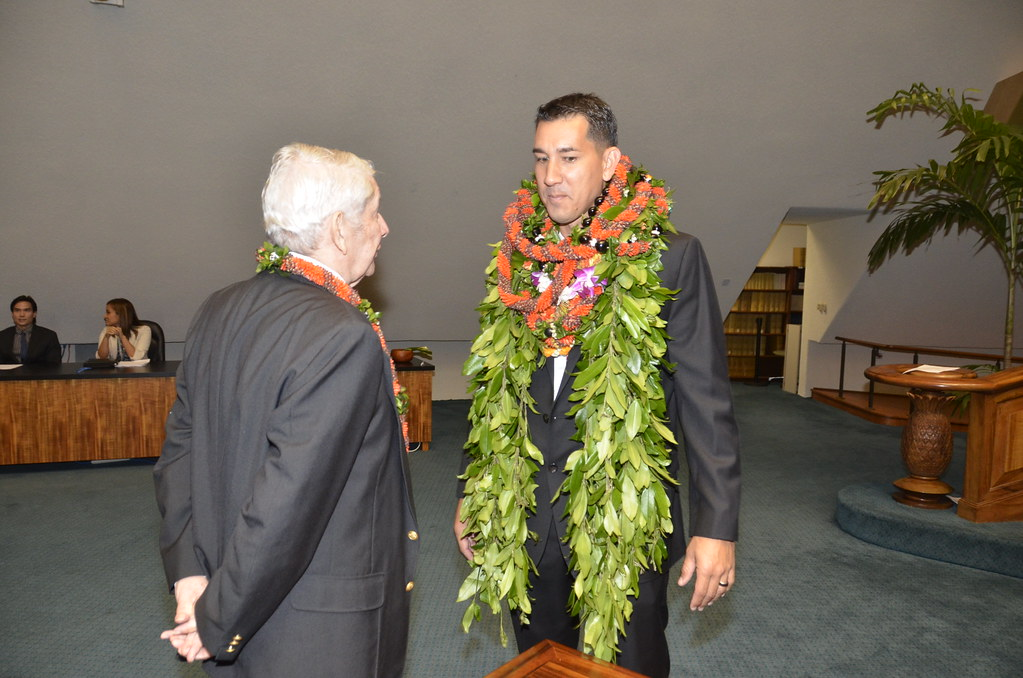 KAIALI'I KAHELE SWORN IN TO STATE SENATE