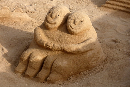 Portugal - Algarve Praia de Luz - Happy Couple Sandcastle