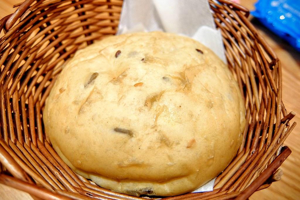 雜糧麵包,也是頗軟的喔!!