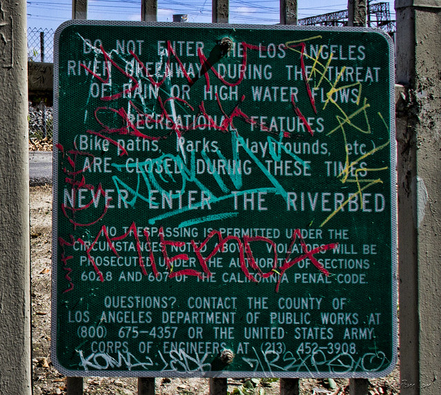 Rio San Gabriel riverbed sign