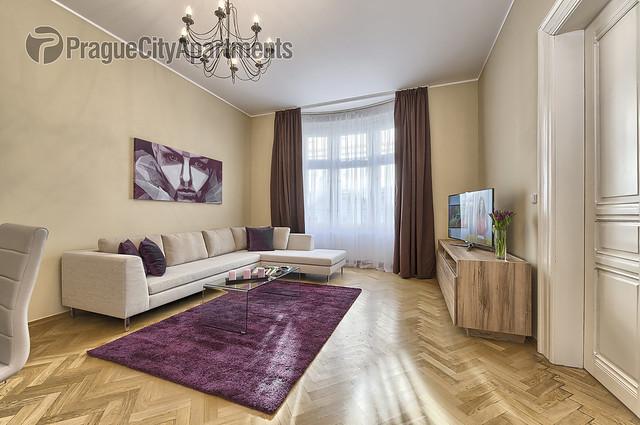 Maiselova 31 Three-Bedroom Apartment