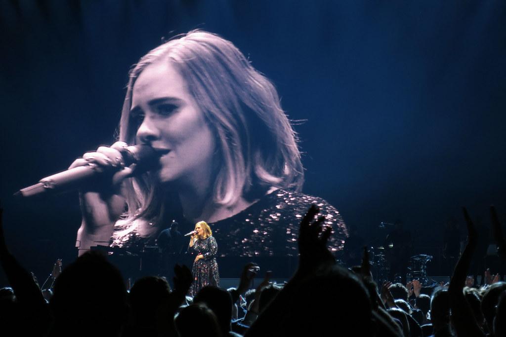 Adele-Live-2016-London-O2-010