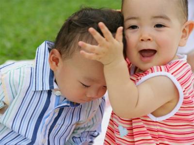 Khám sức khỏe định kỳ cho trẻ nhỏ: Bé 2 tuổi