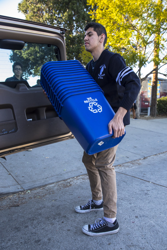North Hollywood High School Recycling Bin Drop-off