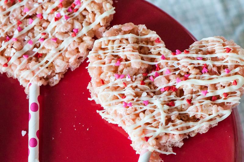 Valentines Rice Krispie Pops 12