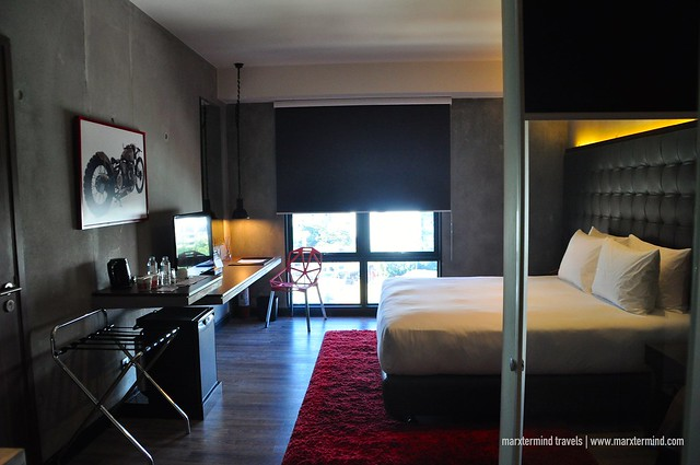 B Hotel Quezon City Superior Room