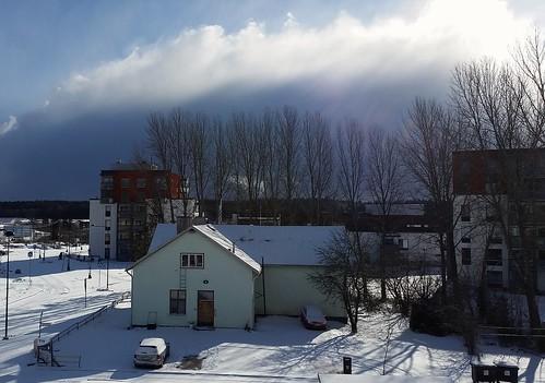 street cloud sunlight snow building clouds suomi finland spring sunny gata talo snö buildingsite apartmentbuilding hus masala lunta vår kevät katu kirkkonummi kerrostalo höghus kyrkslätt masaby