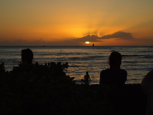 PB290638 ハワイ ワイキキビーチ サンセット hawaii waikiki beach sunset ひめごと ヒメゴト