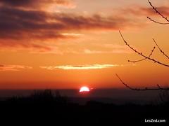 Encore un beau levé de soleil sur le Parc naturel du Pilat (France) #sun #sunrise #sunshine #red #country #countryside #nature #instanature #naturelovers #pilat #pilatmonparc #loiretourisme #parcdupilat #rhonealpes #france #ig_france #digitalnomad #fujifi