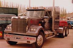 American Trucks / Camions Américains