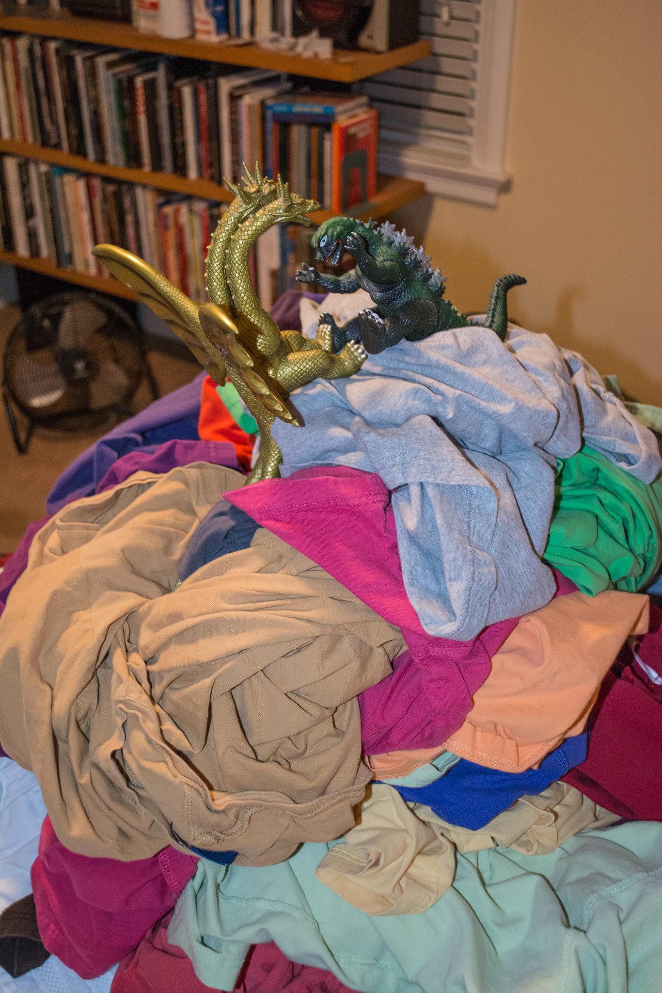 Godzilla counter-tail kick - Godzilla on Mt Laundry - 2016-02-17